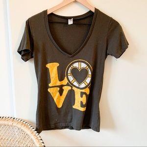 5/$25 Boston Bruins LOVE graphic Tee